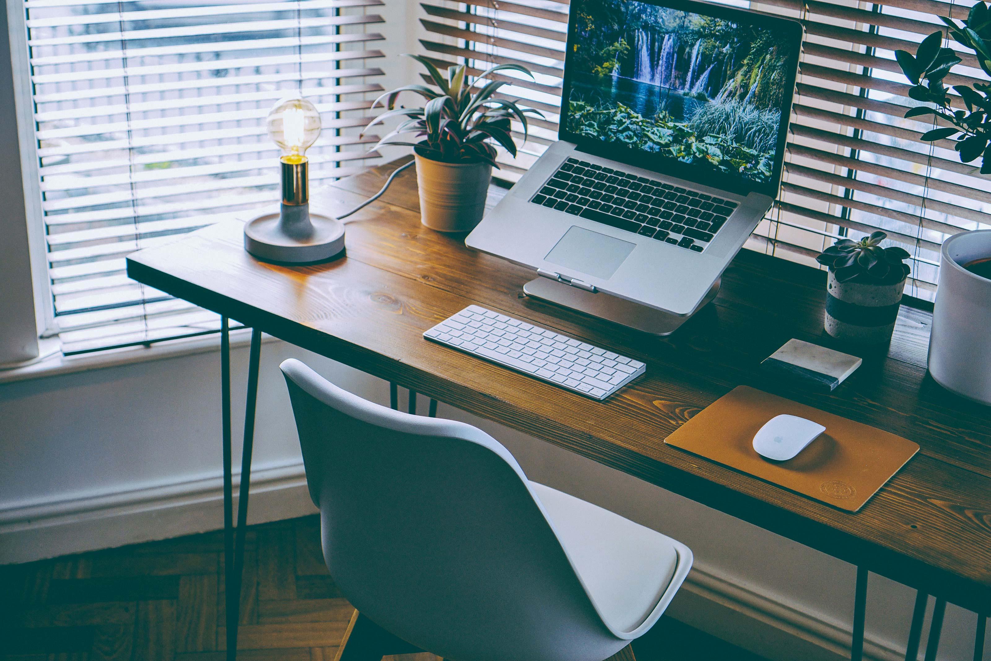 Come Organizzare La Propria Scrivania ufficio: come organizzarlo, 5 regole d'oro   blog manutan